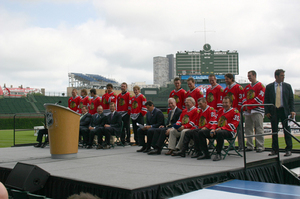 Blackhawks at Wrigley 072208062.jpg