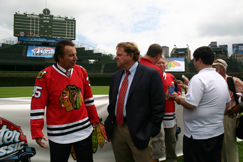 Blackhawks at Wrigley 072208112.jpg