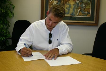 brett jackson signingsmall.jpg
