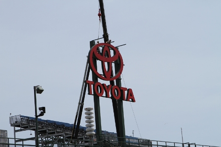 Toyota sign 3small.jpg