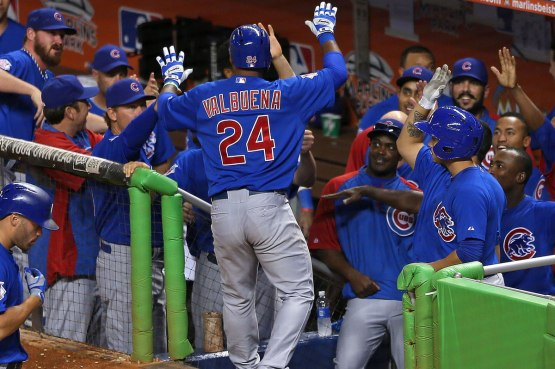 Valbuena-Homer-Highfives-Mike-Ehrmann,-Getty