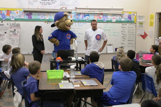 Kyle-Schwarber-and-Clark-Present-to-Hawthorne-Elementary-Classroom